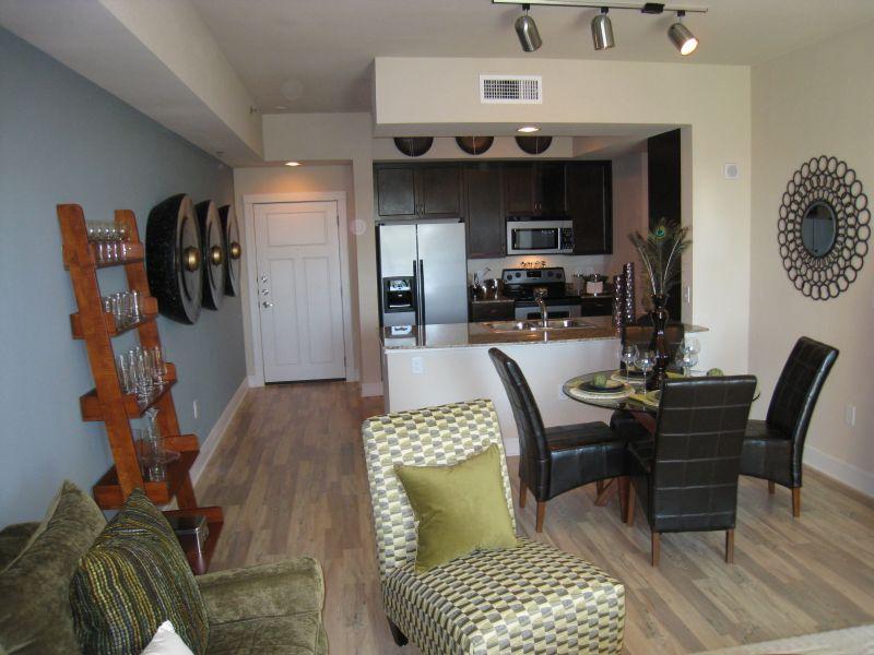 Austin apartments austin lofts austin cool properties for Cool garage apartments